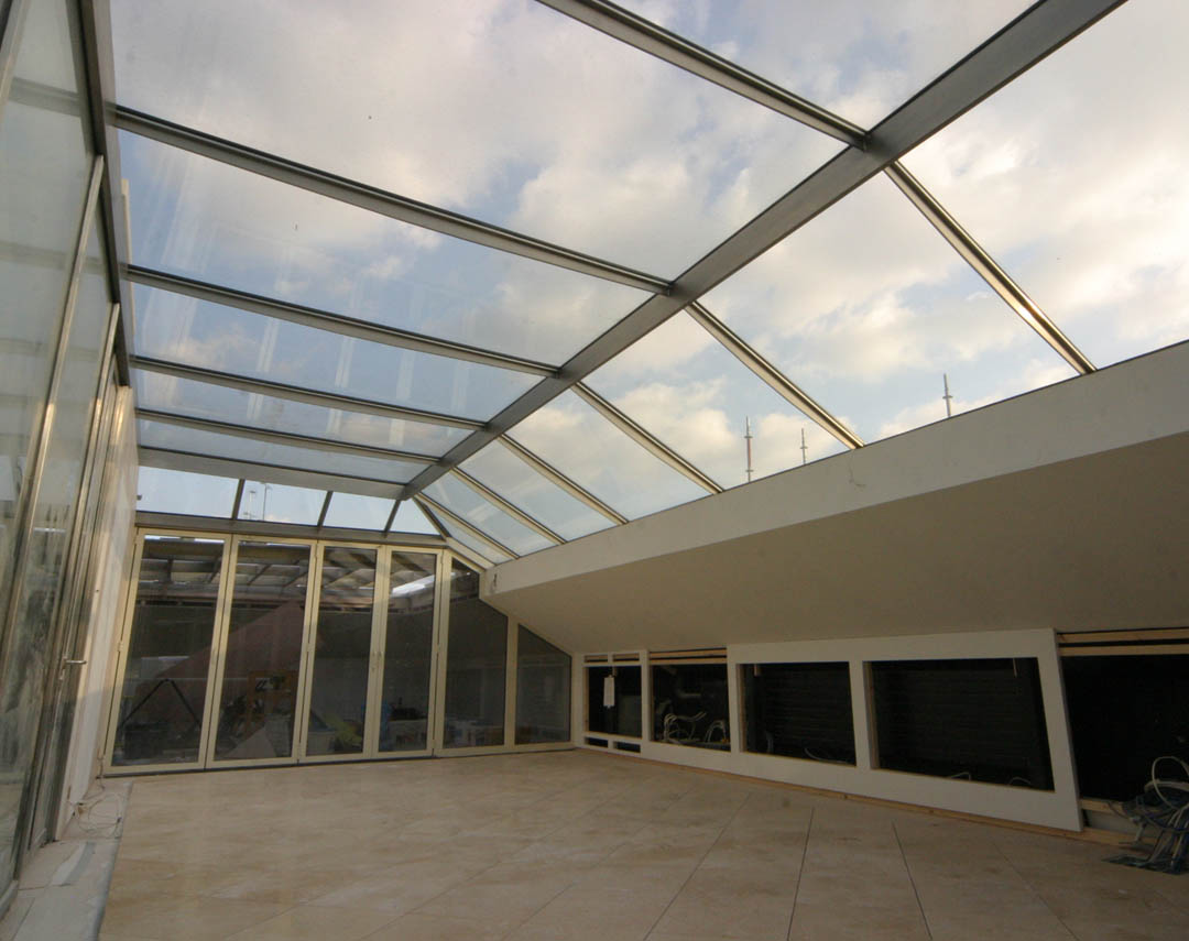 09 001 meia large rooftop conservatory and glass firewall 04
