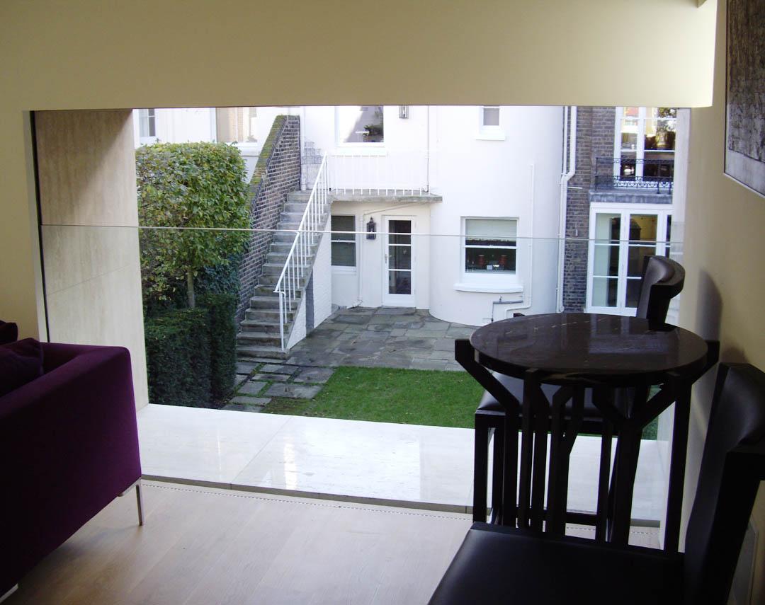 09 002 meia retractable sliding glass balustrade wall 01