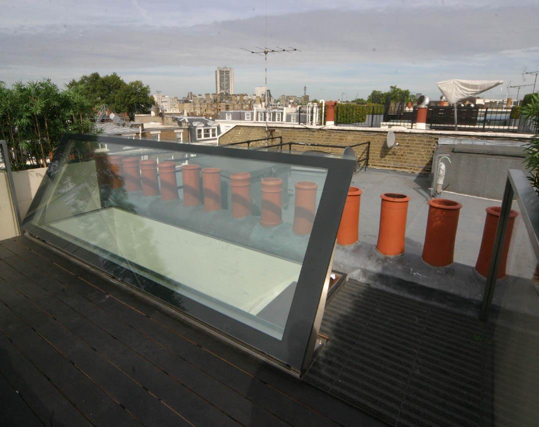10 015ep meia walk on hydraulic hinge opening rooflight 01